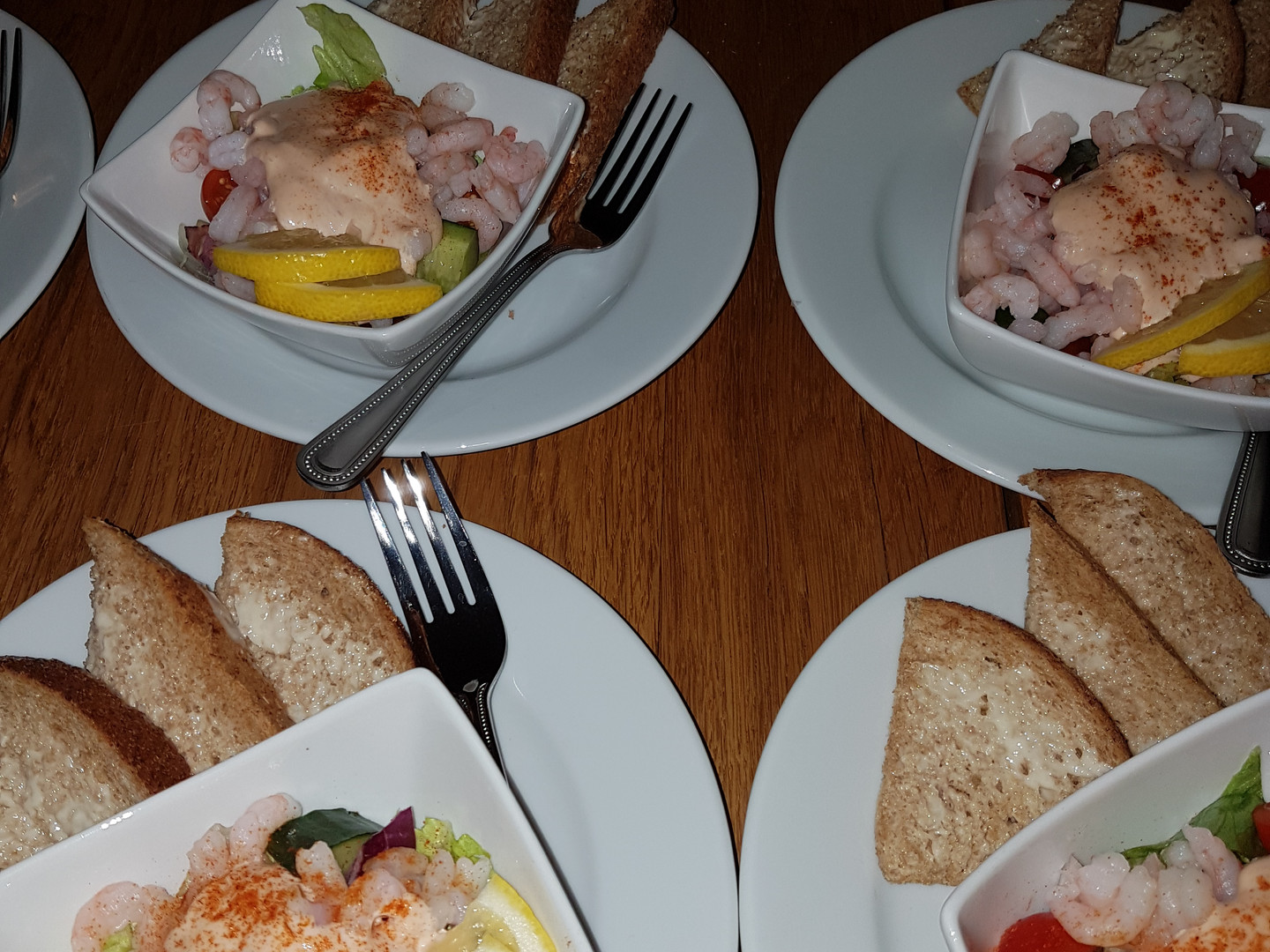 Classic Prawn Cocktail Party Starters