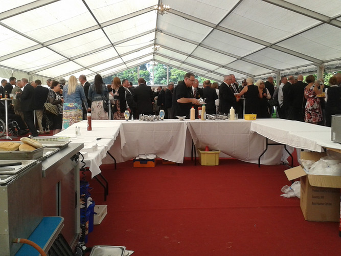 Dukes BBQ & event (2) - Gingham caterers