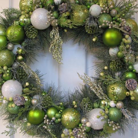 green-and-white-heirloom-christmas.jpg
