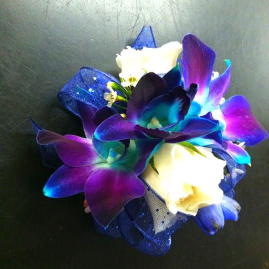 purple dendrobiums wristlet.jpg