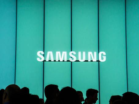 Leaked Samsung advert features folding phone?