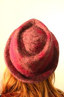 chapeau en laine feutrée fait main par Rasmania