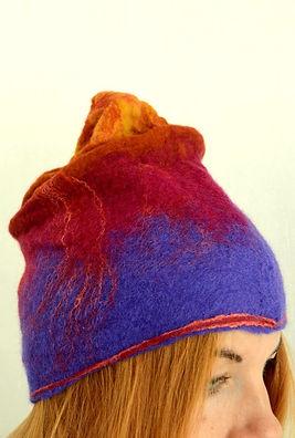 bonnet multicolor en laine feutrée fait main par Rasmania