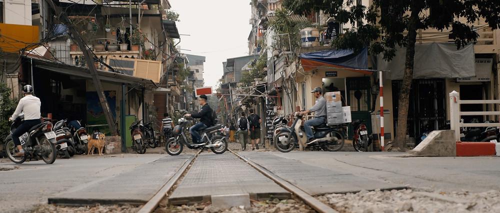 Hanoi cinematographer film aloha london films - Train tracks