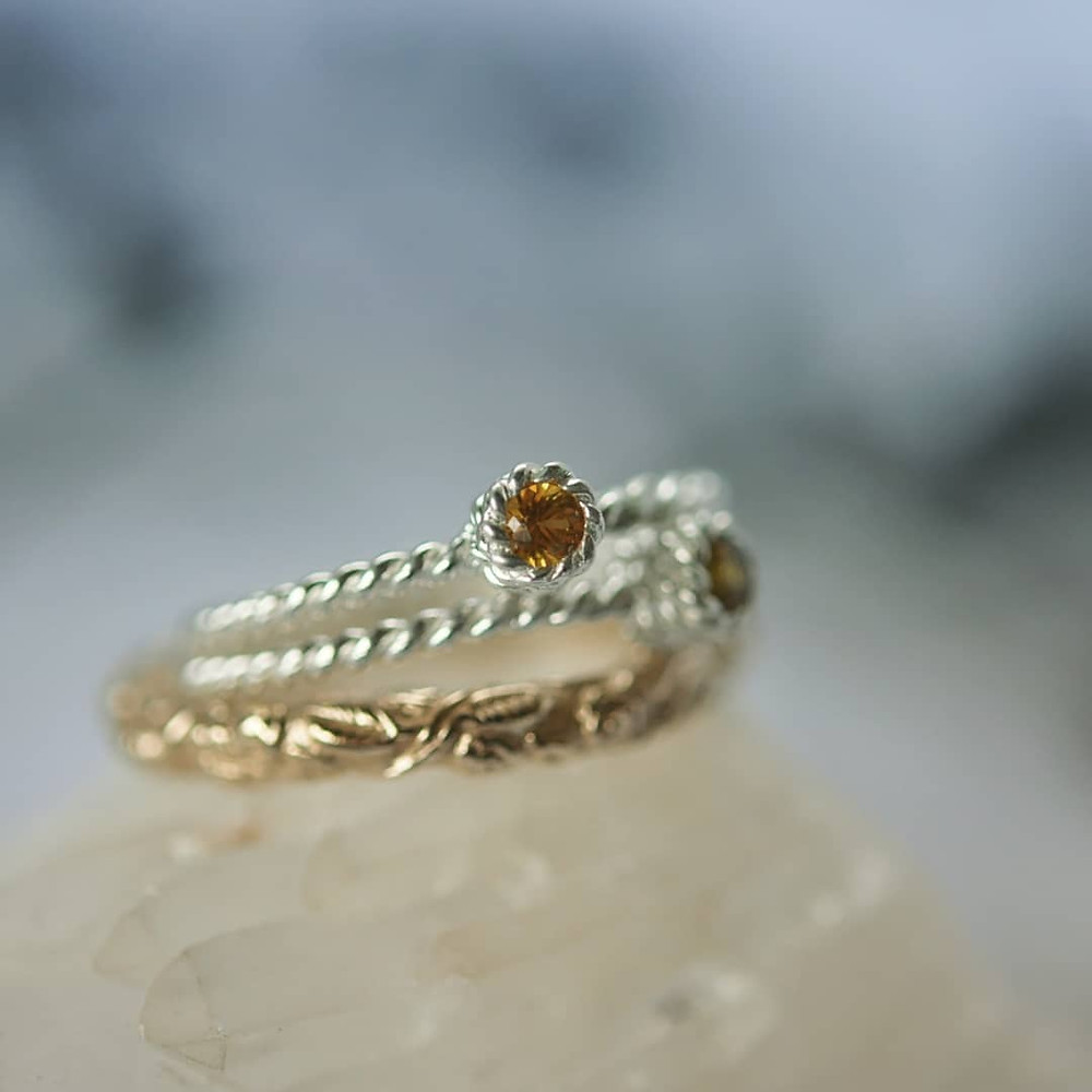 Citrine Rope ring in Sterling silver paired up with the beautiful Briar 9K yellow Gold ring. An elegant look this summer.
