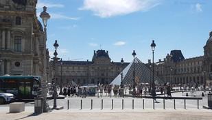 El Louvre de París anuncia su reapertura