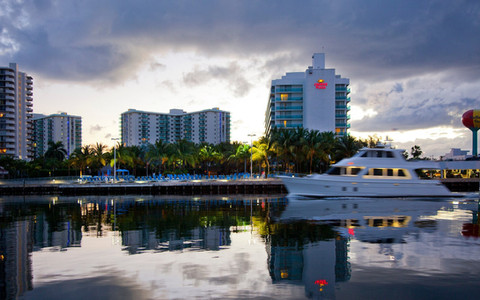 DoubleTree Resort by Hilton | Hollywood Beach
