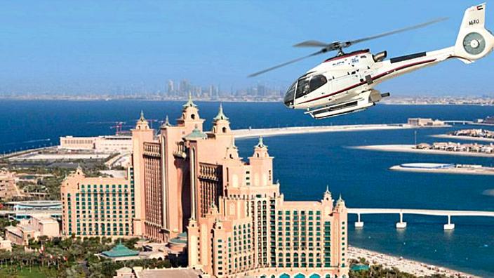 Sobrevolamos en Helicóptero la ciudad de Dubai