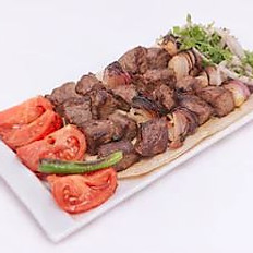Brochettes de viande grillées