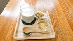 オーツミルクとグラノーラの白玉