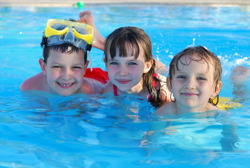 piscine-enfant-camping-langeac