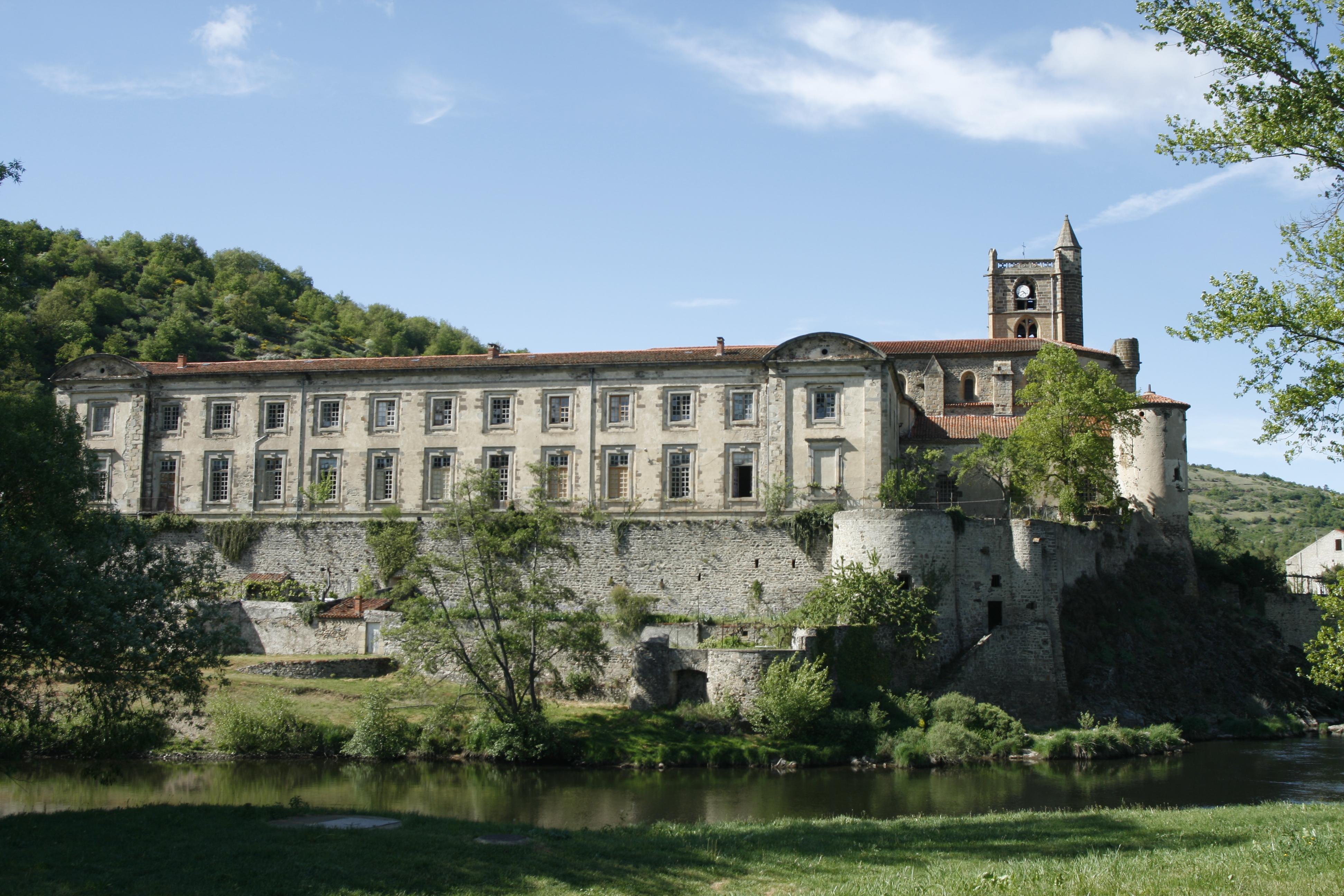 Prieuré Ste-Croix de Lavoûte-Chilhac