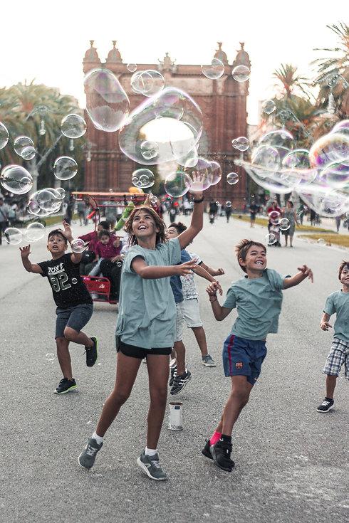adorable-boys-bubbles-2914265.jpg