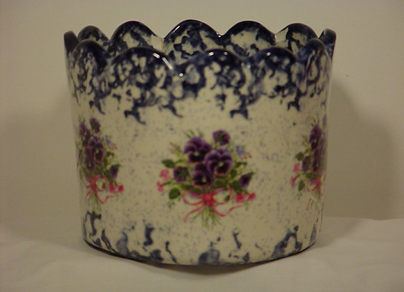 Scalloped Candle Pot