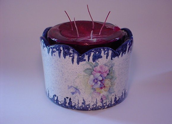 Large Scalloped Candle Pot