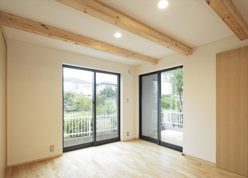 0901620027_藤沢の住宅_1階_寝室.jpg