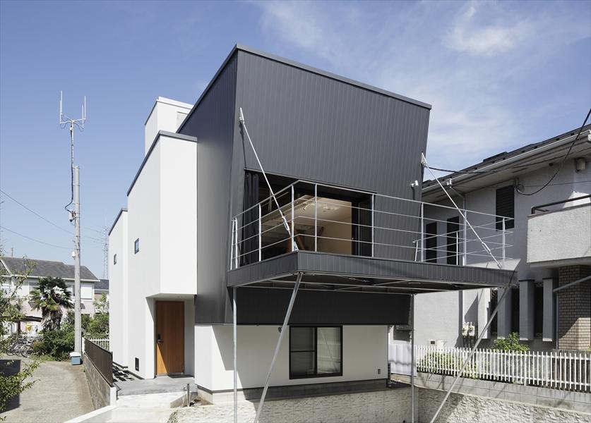 0901620004_藤沢の住宅_南西面外観.jpg