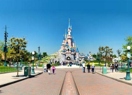 A Plus Size Perspective -Disneyland Paris Resort. Part Two