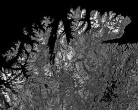 Vue satellite de la zone de l'incident Coordonnée : 68.392552, 15.082690 50 x 62,5 cm, 2019 ©David Munoz, Adagp Paris.