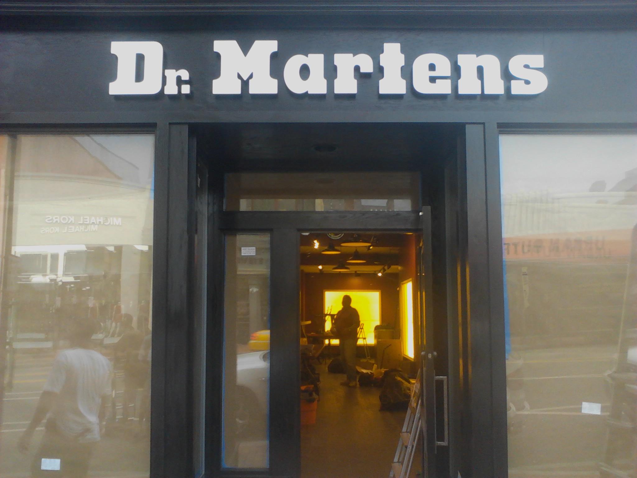 Dr. Martens Exterior