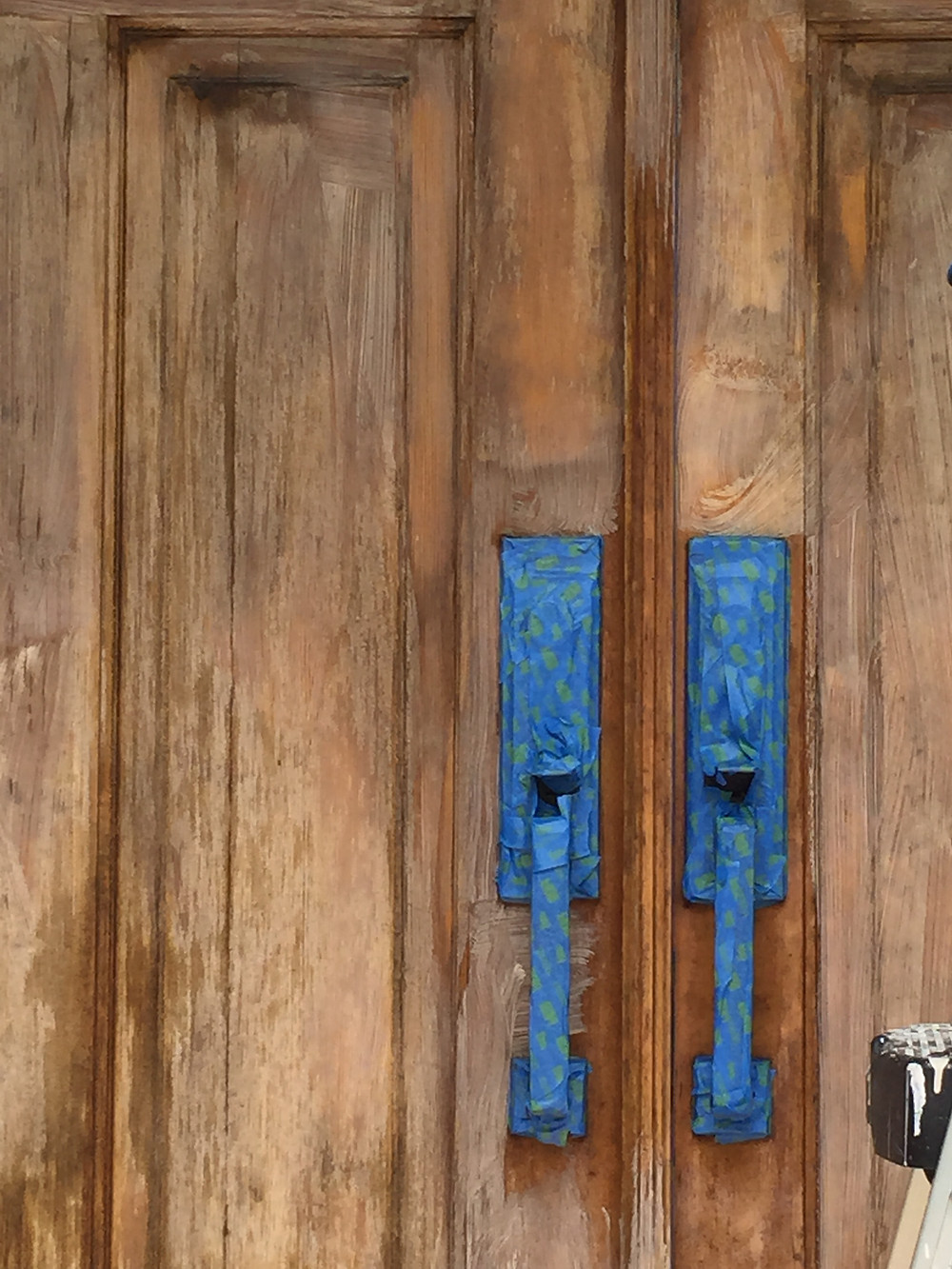 How much does it cost to Stain a Wood Door