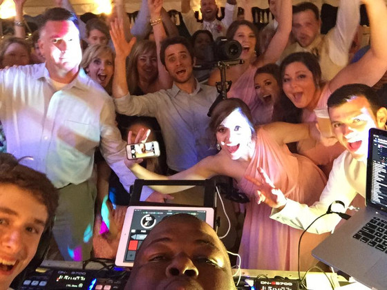 Some key steps to picking the perfect wedding DJ