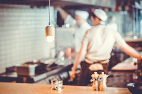 chefs-cooking-in-the-kitchen-PCSKEVU.jpg