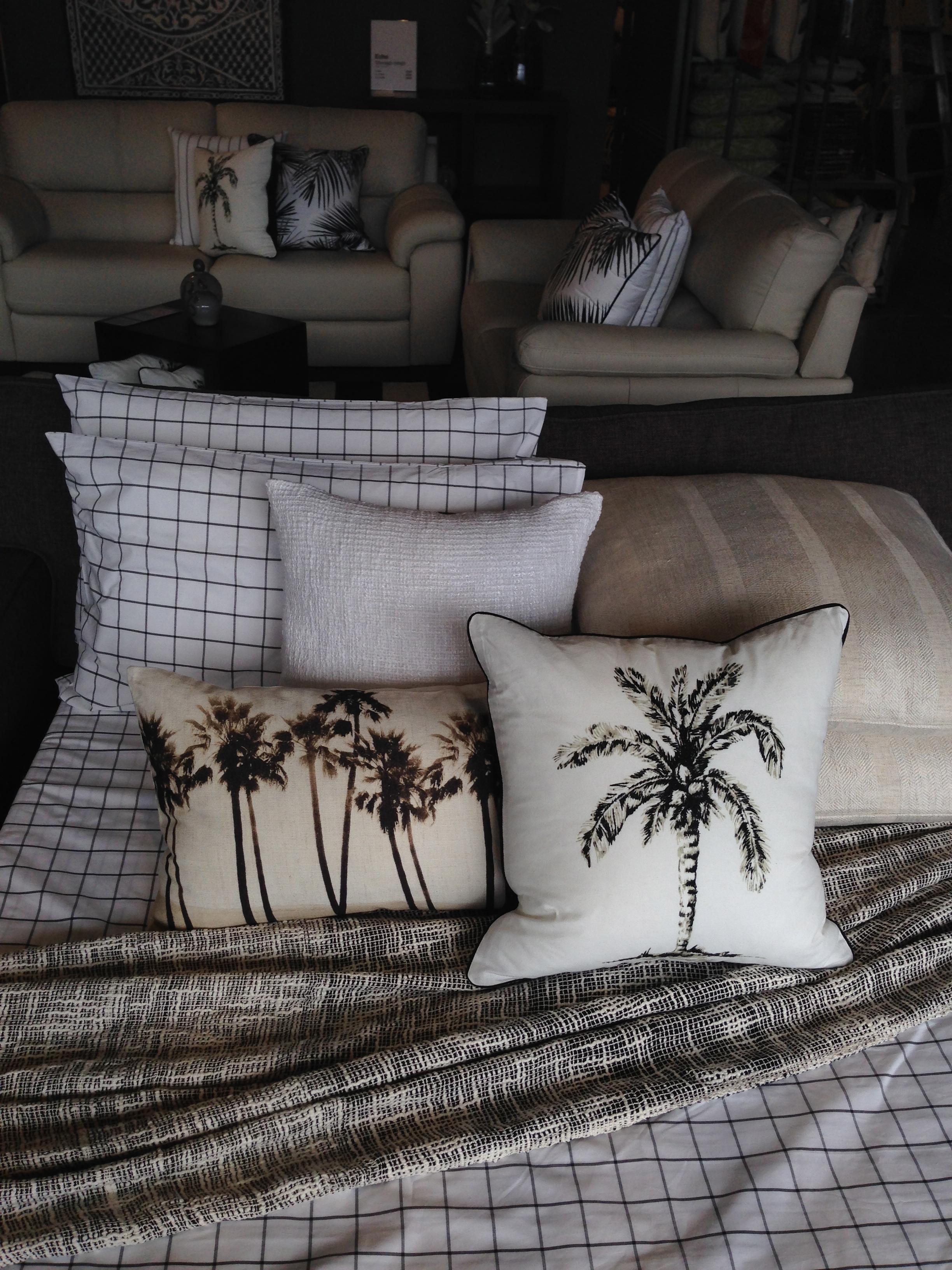 Simple sofa bed dressig