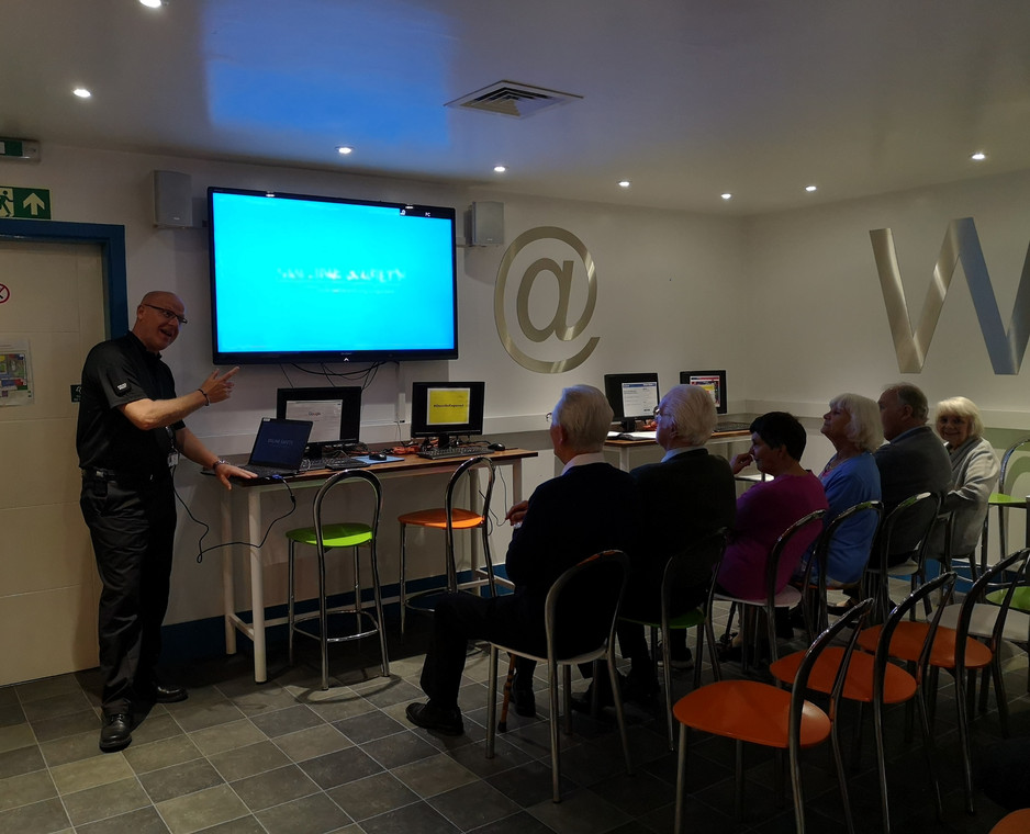 Project Officer Pete Norton giving a presentation on Internet Safety