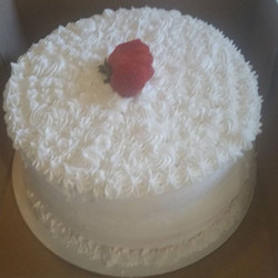 Strawberry cake. .nice and simple .