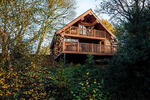 Swinney Wood Cabin - Handcrafted by Brit