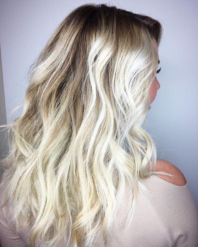 V I E W S ✨#texture #blonde #blondehair #balayagehair #blondebalayage #blondebombshell #balayage #ba