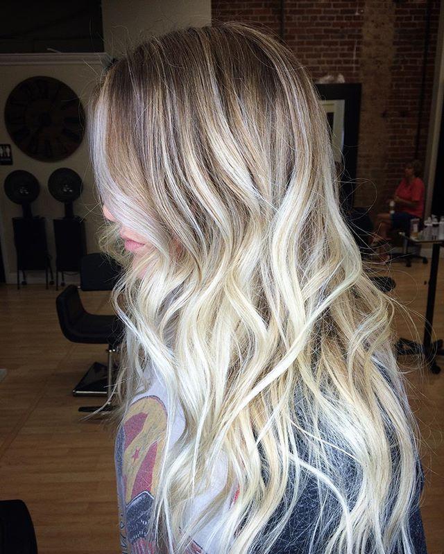 B A L A Y A G E ✨#blonde #blondebalayage #blondebombshell #balayage #balayagehighlights #balayageomb