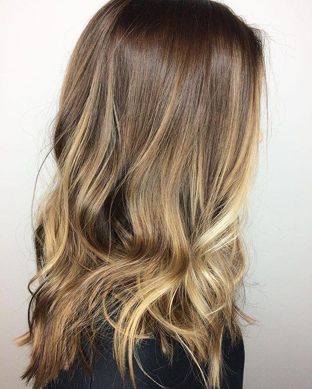 B A L A Y A G E ✨Using _oribe #oribe #luxurybrandpartners #lbp #two22salon #blondebrown #blonde #bal