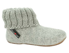 Haflinger-Children_s-slippers-Karlo-Ligh
