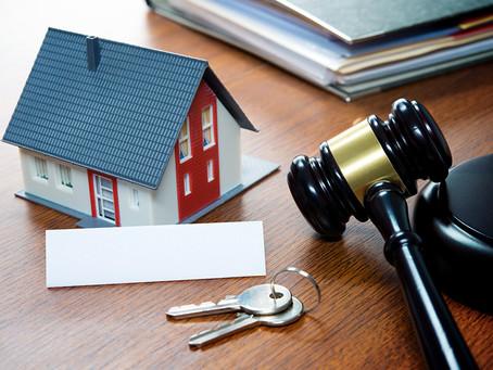 Ontbinding huurovereenkomst woonruimte- en bedrijfsruimte in verstekzaken geen hamerstuk (meer).