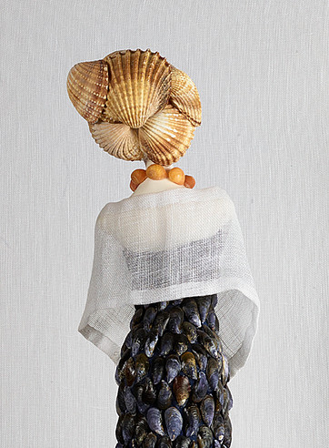 sculpture-femme-moules-personnage-silhouette-platre-couture-mode-fashion-defile-coquillages-chic-dec