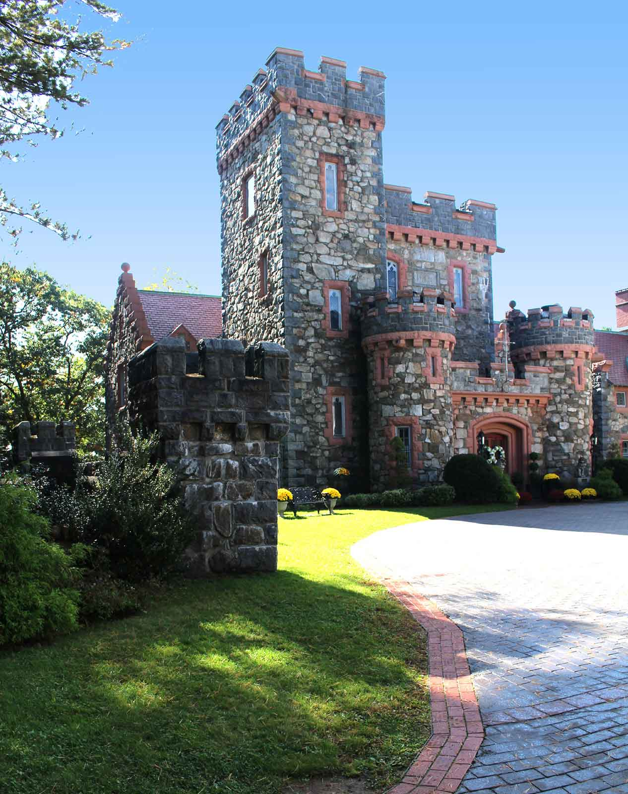 Searles Castle - Windham, NH