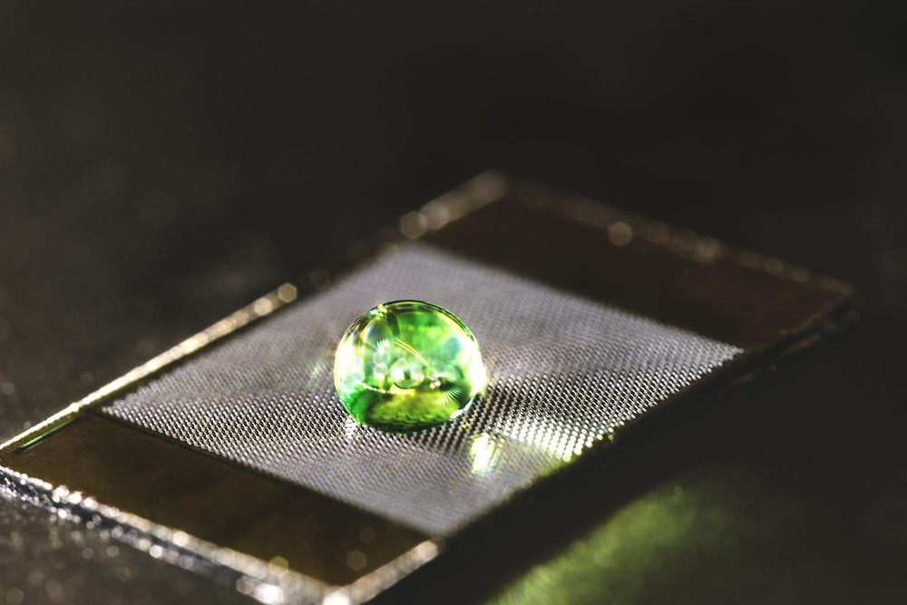 Materials could be engineered to repel liquids without coatings when carved with a bio-inspired microtexture. @ KAUST 2018