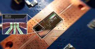 Silicon quantum bits establish a long-distance relationship for quantum computing leap