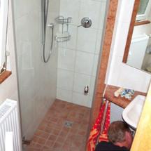 Duschanlage nachträglich montiert