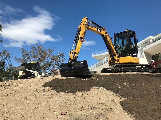 Earthmoving-Contractor.jpg