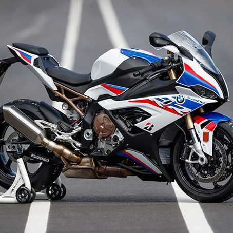 BMW S1000 RR: THE M4 OF THE MOTORCYCLE WORLD??