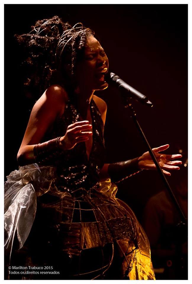 Ella é do Brasil em Camaçari - Bahia