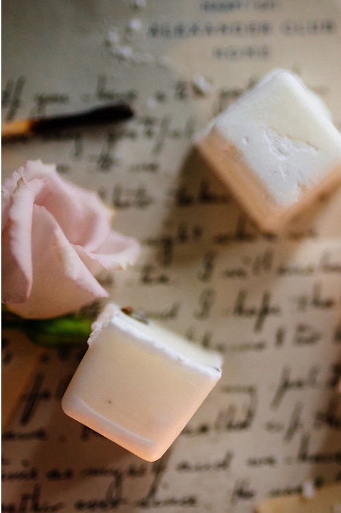 Pineapple, Birch & Musk- Soy wax melt