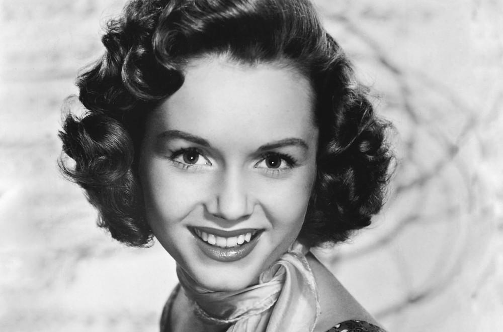 Amercia's Sweetheart, Debbie Reynolds
