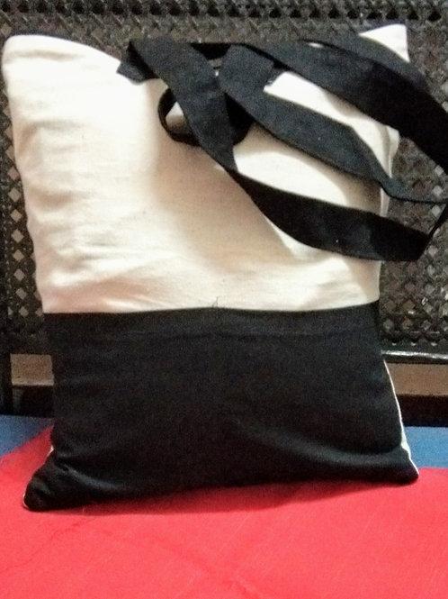 Striking Zebra design Tote bags