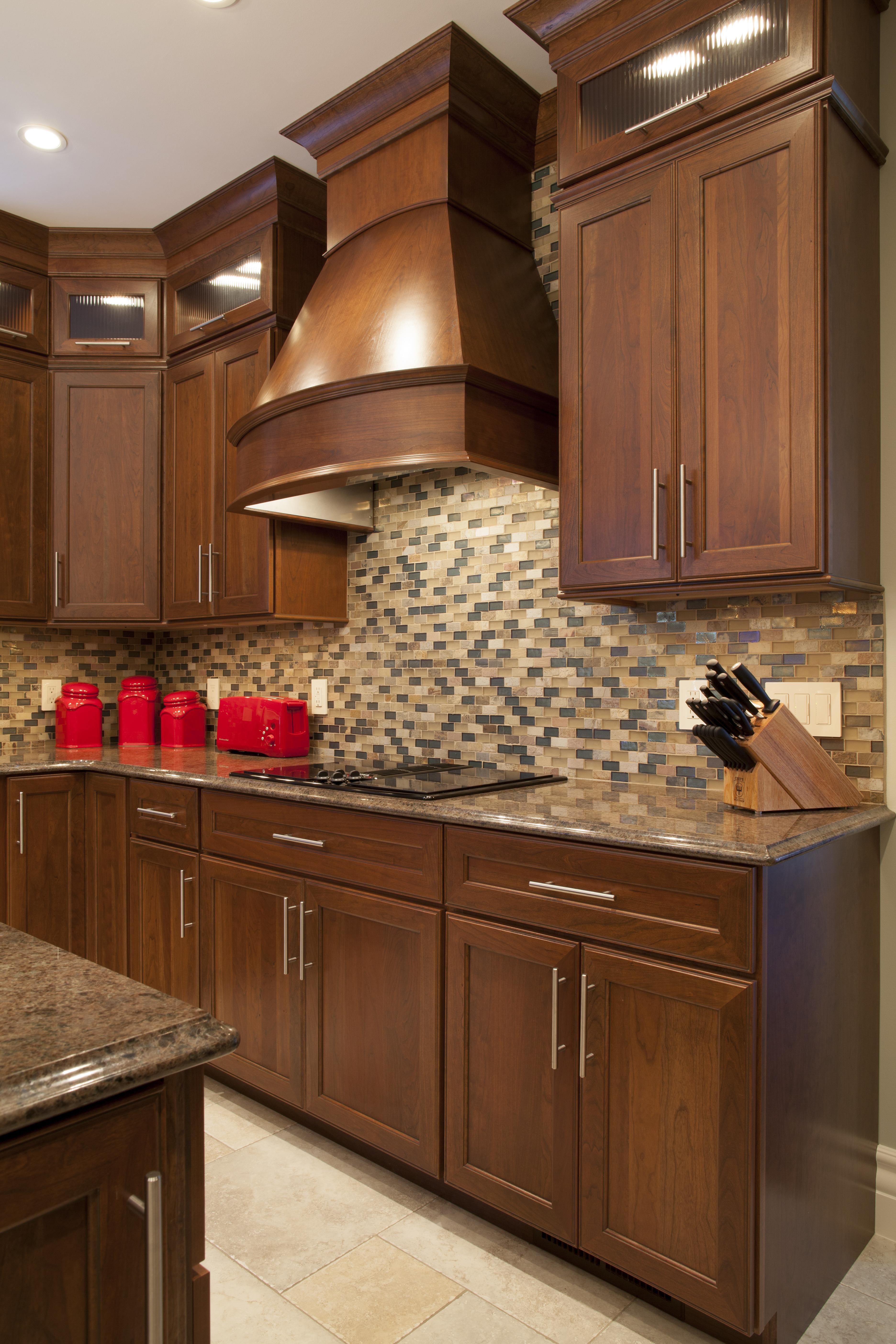 Mocha kitchen cabinets