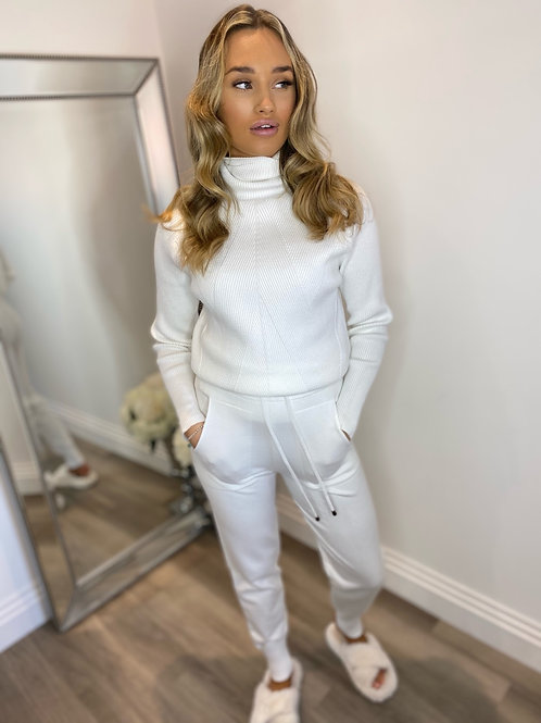 KNITTED LOUNGWEAR - WHITE