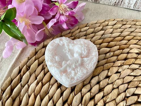 Jabón Ángel querubín con forma de Corazón rosas